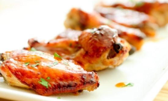 Alitas de pollo con miel y ajo